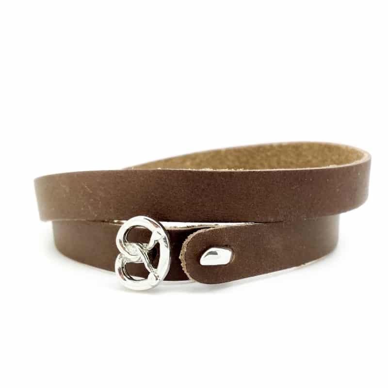 Das etwas andere Wies´n Armband aus weichem, anschmiegsamem Kalbsleder in der Classic-Farbe Braun.