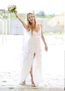 An ihrem Hochzeitstag trägt die bekannte Moderatorin Georgia Schultze ein Brautkleid von Anina W Couture