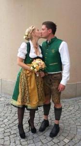 Anina W fertigt Dirndl und Herrentracht exklusiv für Ihre Hochzeit