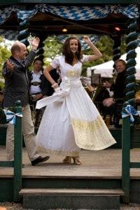 Brautkleid von Anina W mit Swarovskisteinen